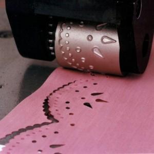 LaceMaster-closeup-pink-fabric-1030×888